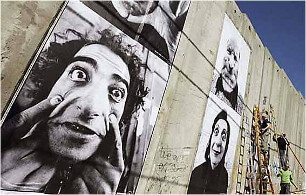 JR | Face 2 Face | Street Art